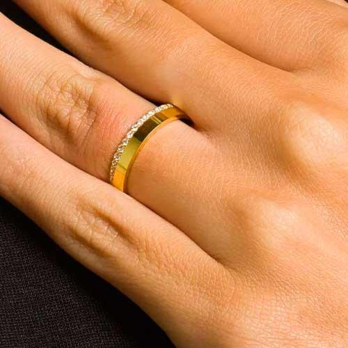 Par de Alianças de Casamento Diana Ouro 18K com Brilhantes Zirconias 4mm e 6,5g
