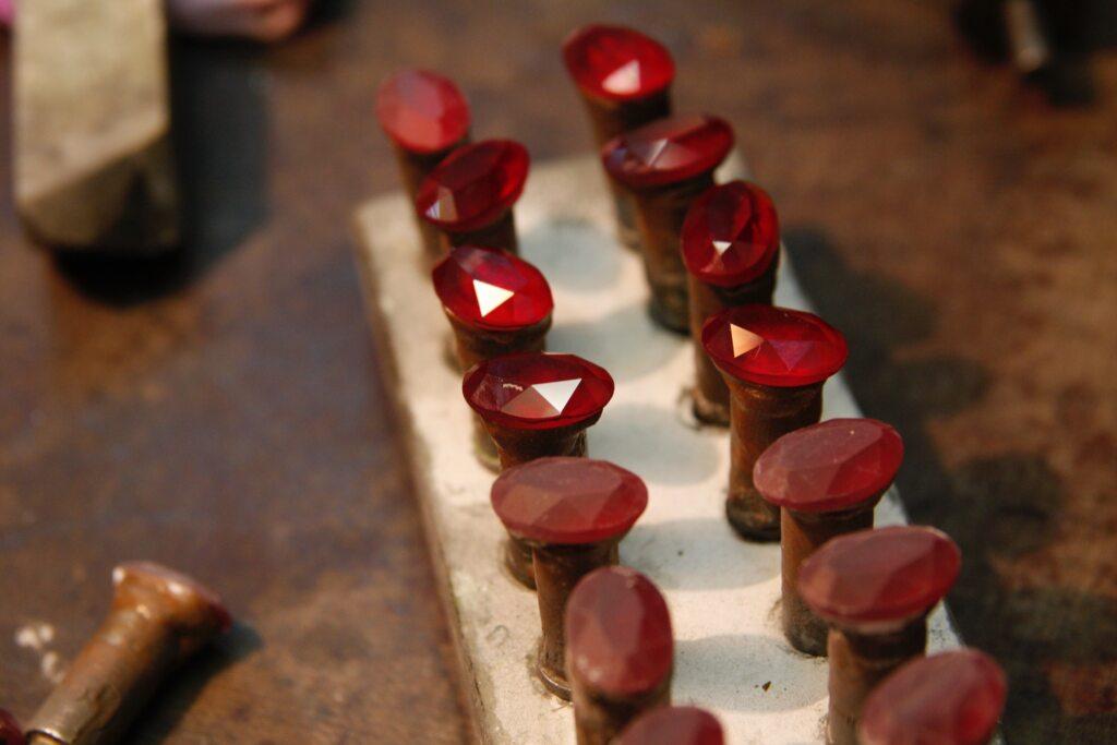 Imagem de pedras preciosas - rubis